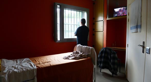 Maltraitance l 39 h pital psychiatrique epsmd de pr montr for Chambre de soins intensifs en psychiatrie