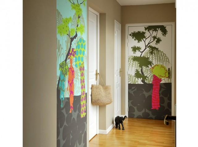 Peinture d 39 un couloir troit et assez long for Papier peint sur porte