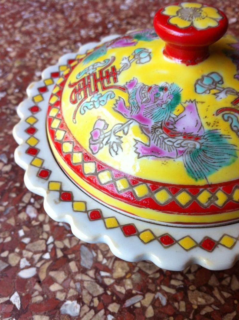 Boite porcelaine chinoise sign e for Boite montpellier
