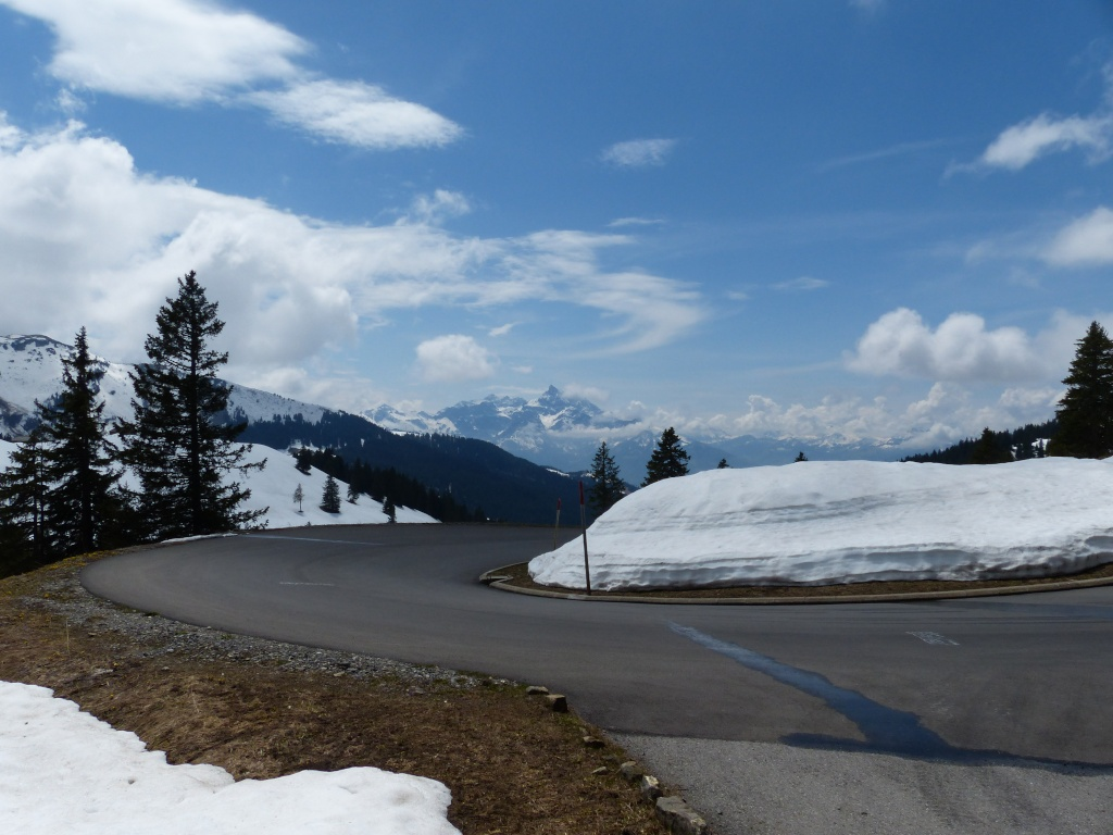 Le garage des motards pipeux for Garage reignier alpes pneus